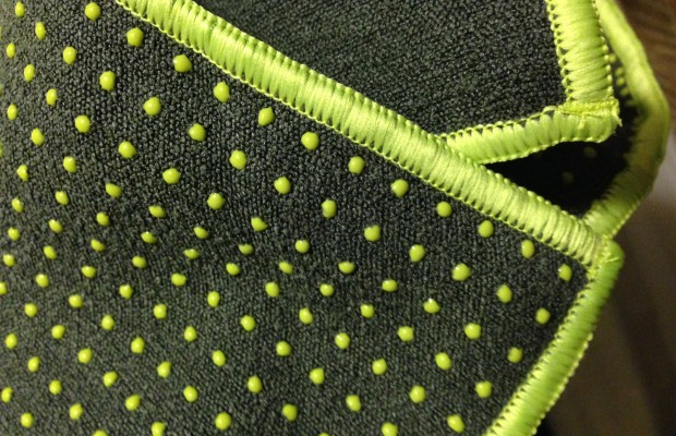 bgg2wl-yogitoes-towel-3